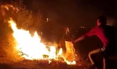 Μόρια: Βίντεο με νεαρό αλλοδαπό να διασπείρει τις φωτιές στο καμπ