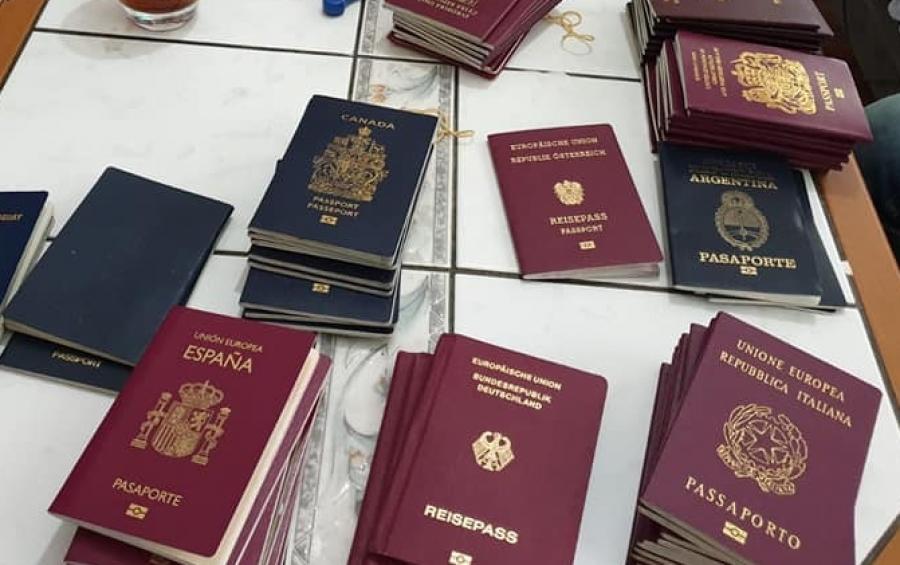 Χειροπέδες σε 14 αλλοδαπούς με πλαστά διαβατήρια σε 3 αεροδρόμια